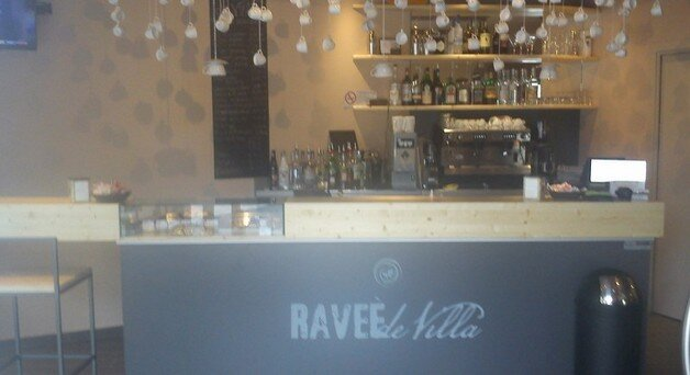 Arredo bar economico arredo per bar tabaccheria with for Astor arredamenti bar